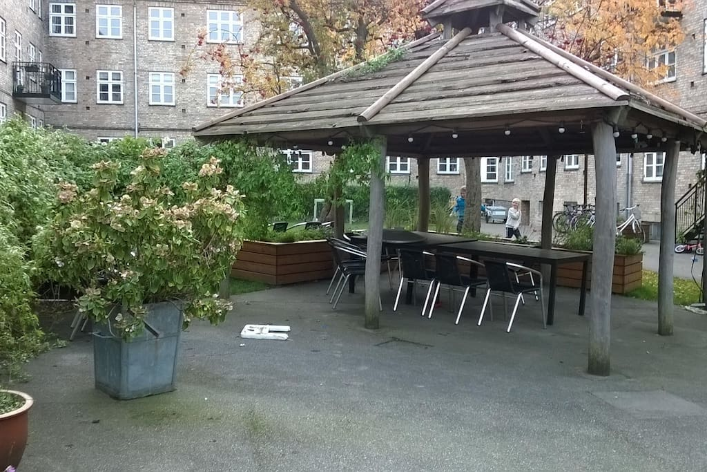 The shared yard where it is possible to chill out or grill in the summer time