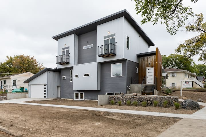 2 Bedroom Modern living in the heart of Bismarck.