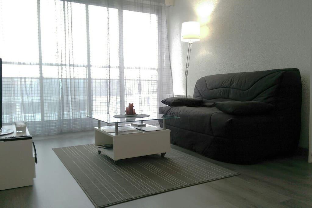 Studio lumineux proche hyper centre appartements louer for Studio louer bordeaux