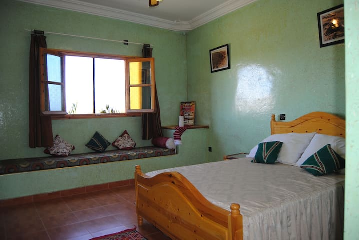 Prominent Stoelen Outlet.Airbnb Ouarzazate Vacation Rentals Places To Stay Draa