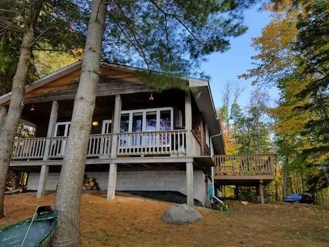 Ahmic Cove Cottage