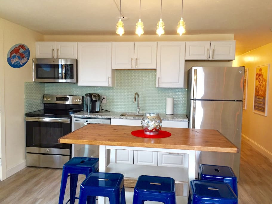 Newly remodeled fully equipped kitchen.