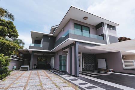 【Lake view】Stylish Homestay with KTV room @16pax