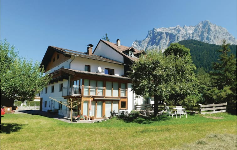 Holiday apartment with 2 bedrooms on 64m² in Ehrwald