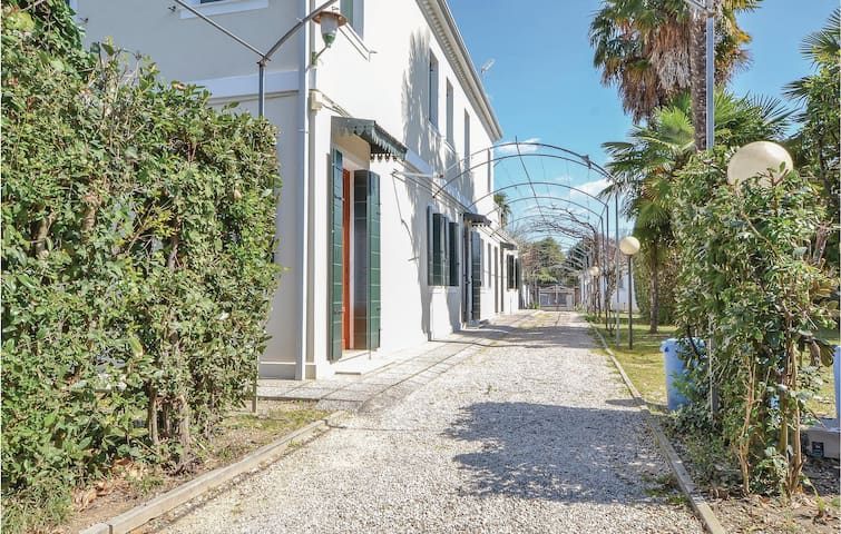 Holiday apartment with 2 bedrooms on 70m² in Mogliano Veneto
