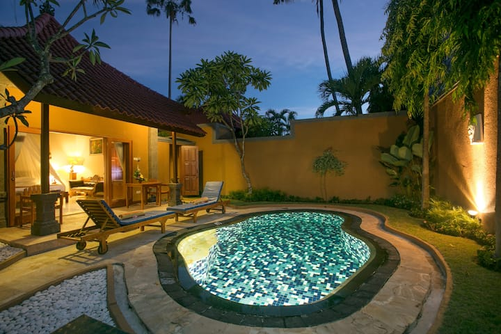 1 Bedroom Private Pool Villa with Breakfast