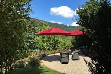 Traumlage: Gartenzimmer in Villa - Villa