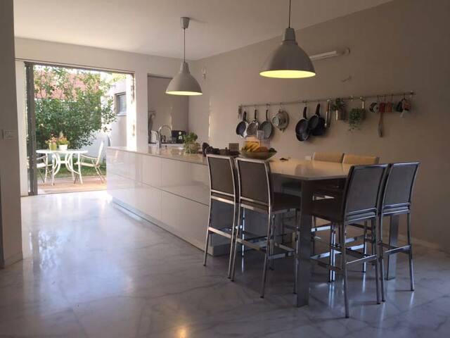 LongTerm Rental Villa in Hertzeliya