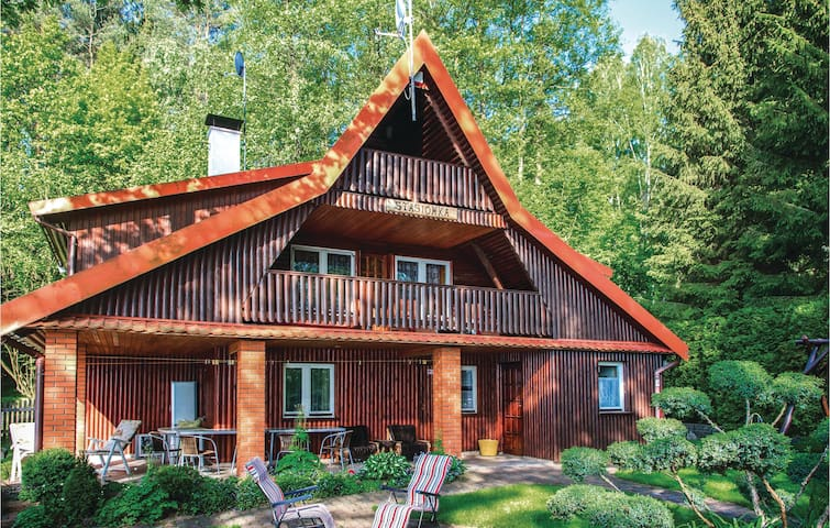 Holiday cottage with 3 bedrooms on 123m² in Barczewo