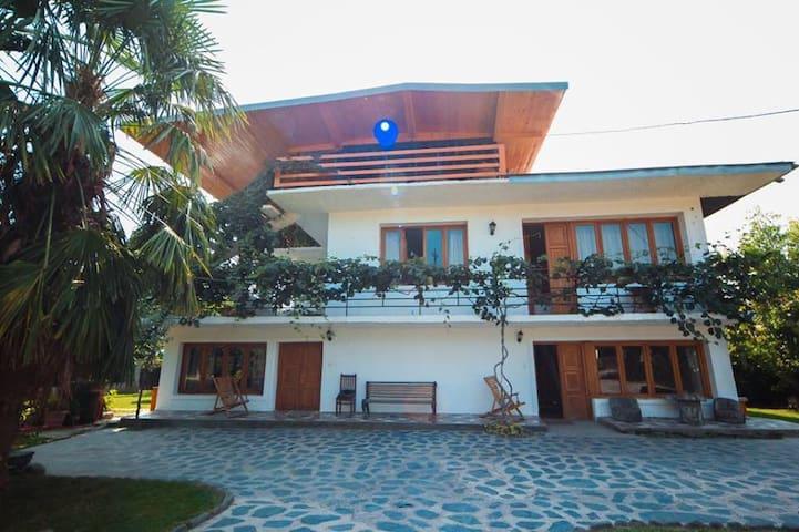 Isev Kvareli-Double room with Balcony