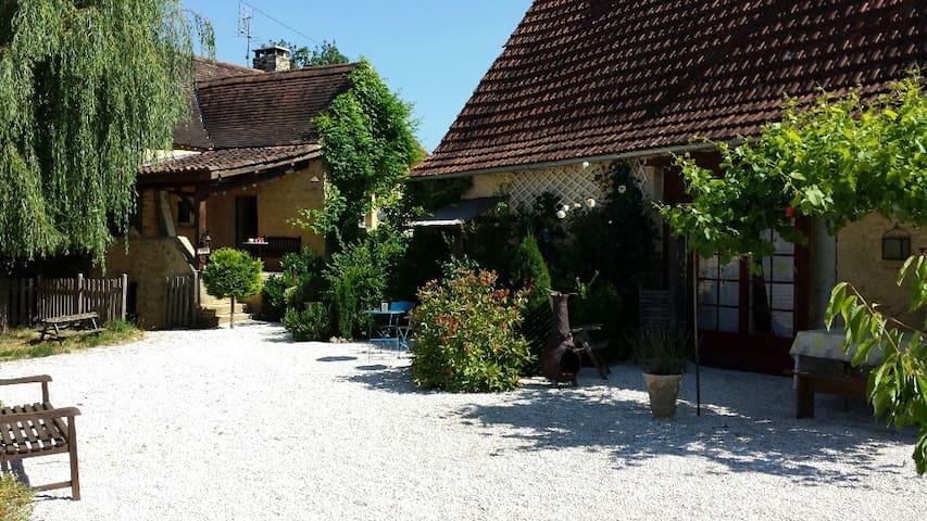 Cottage Soleil at Centre Equestre du Passe-Temps - Dégagnac - Chalet