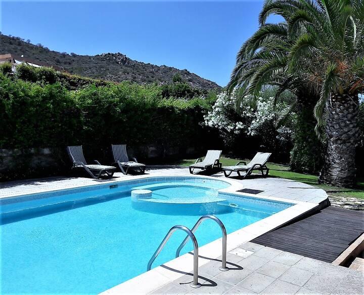 Panoramic Private Pool Villa inside Golf Resort
