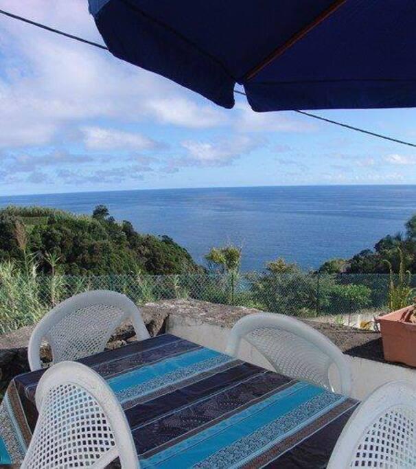terraço com vista para o mar