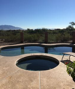 Beautiful home w/pool/spa & views of the mountains - Tucson
