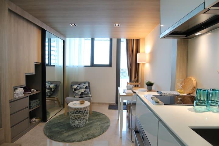 City-located studio loft apartment*BRAND NEW*
