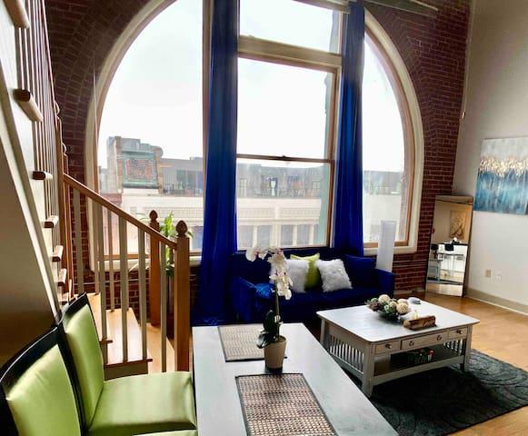 Beautiful Multi Level Penthouse Loft