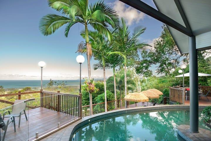 Sapphire Ridge Luxury Holiday House Palm Cove