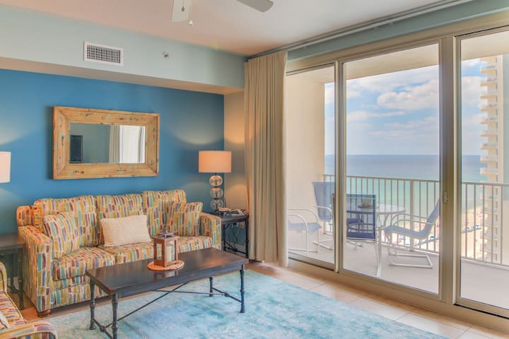 Beachy, stunning sunset views & reserved same-level parking!