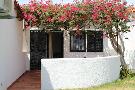 Beach Pink House - Cabanas