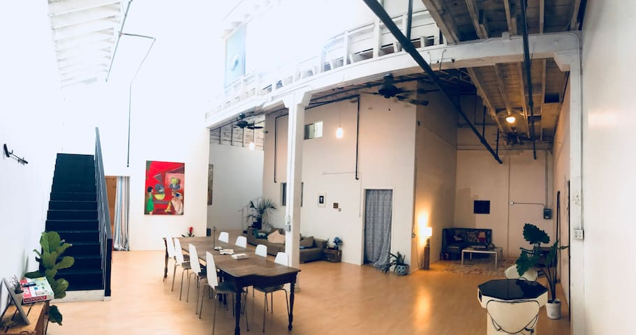 Quirky DTLA loft in the arts district