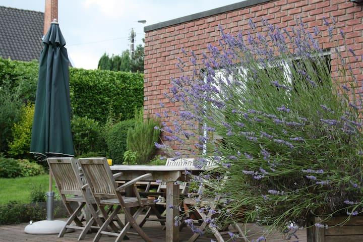 Notre terrasse en été!