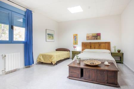 Habitación doble en albergue rural - Gestalgar - Bed & Breakfast