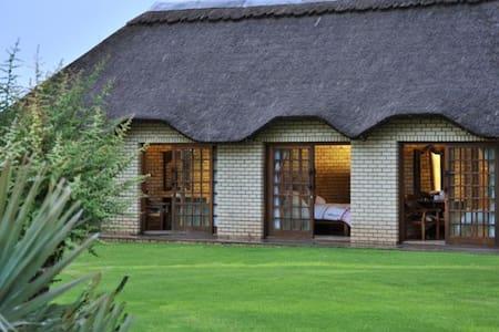 Linksfontein Safari Lodge