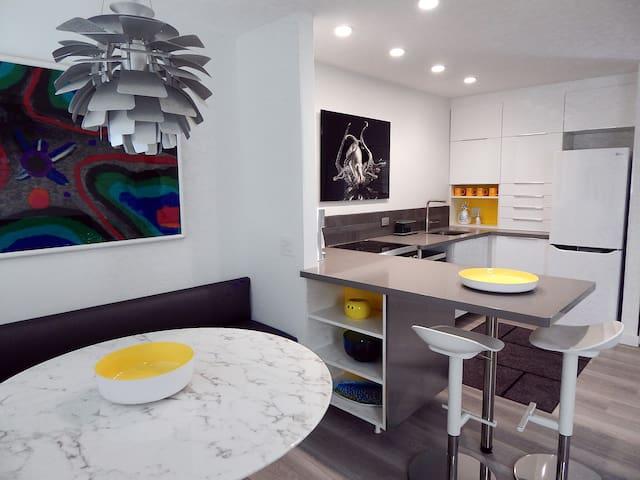Key Colony Beach Luxury Condo, New Modern Interior