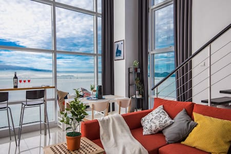Majestic Seaview Suite Georgetown and 4 Pokestop - Pulau Pinang - Wohnung