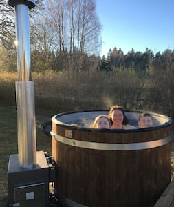 Idyllic Location | Wood fired hot tub | BBQ