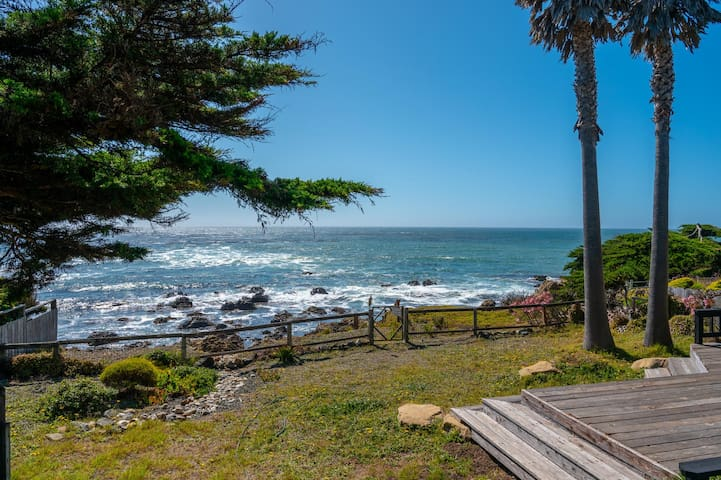 Month Long - Nottingham Cottage in Cambria, CA