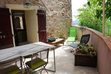 Maison de village terrasse ombragée - Solliès-Ville - Talo
