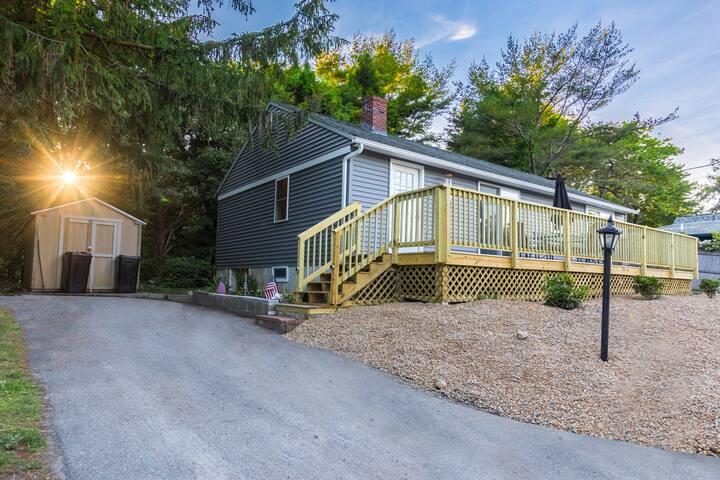 A True Maine Ocean Cottage