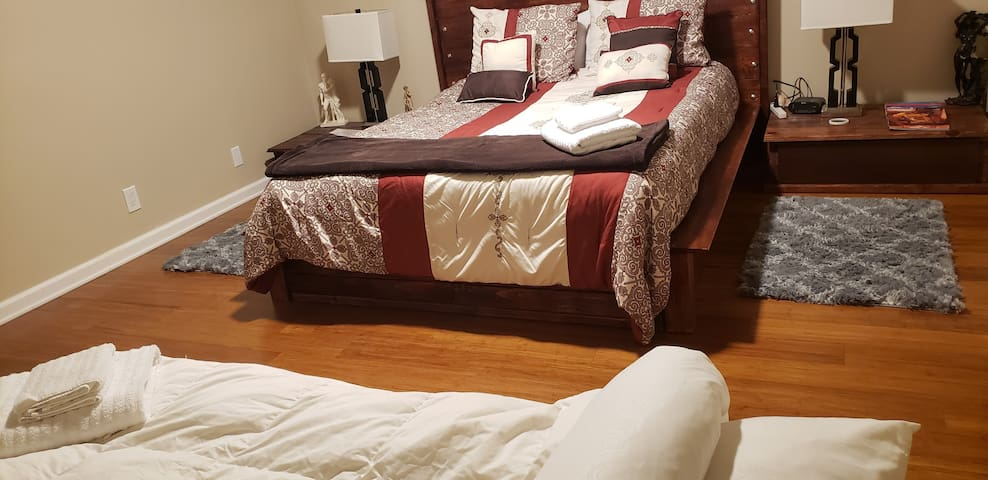 Feel @ Home Queen bed and Futon