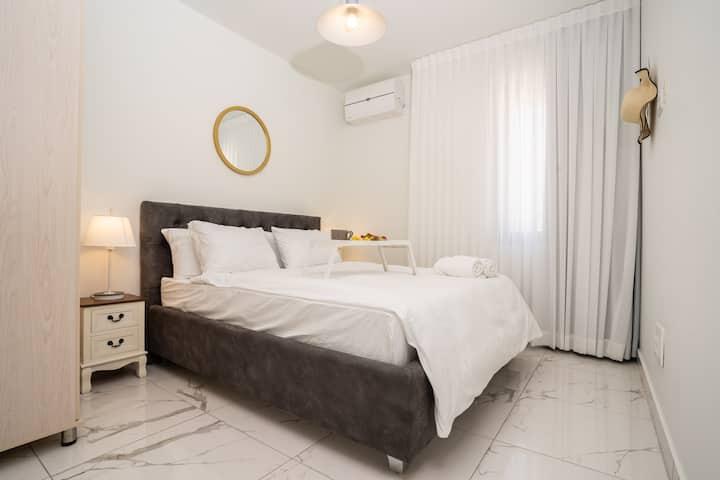 ✵Eshel suites #10 ✵The Luxury City Center 1 bdr✵