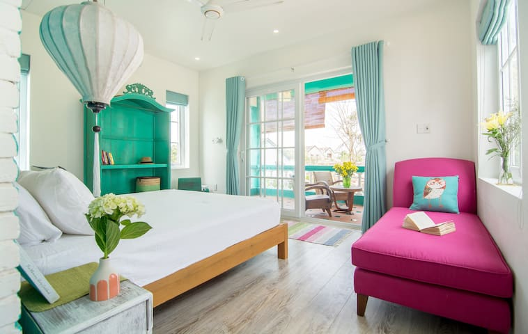 Sunny beautiful 2-bdr apartment right by the beach - Thành phố Hội An - Leilighet