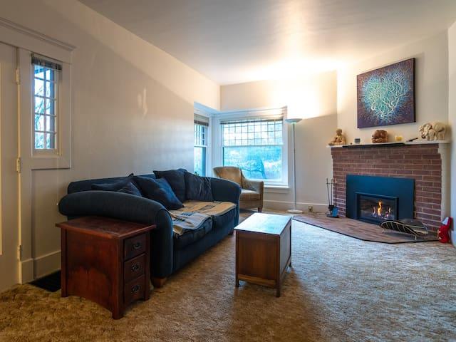 Living room + side door.