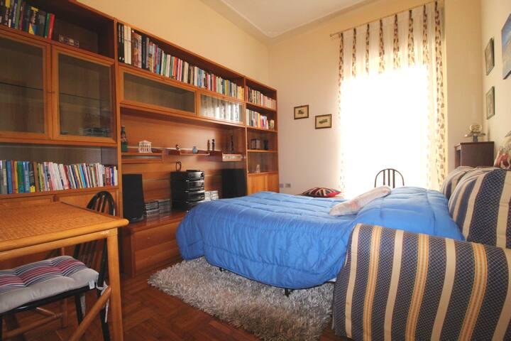 Seconda camera letto (per terzo ospite o per coppia di bambini di eta' non superiore ai 12 anni)