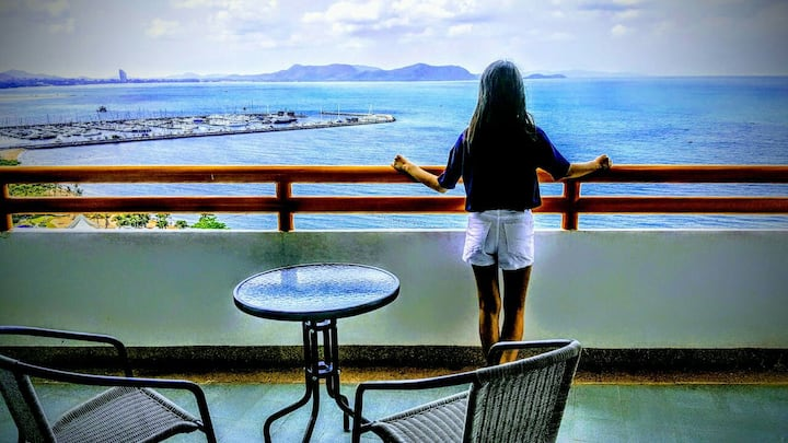 Junior Suite ocean view 18th floor  room 203