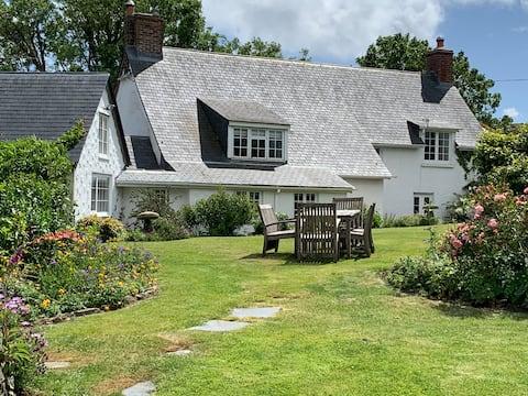 Charmantes Cottage nr Helford River, großer Garten,