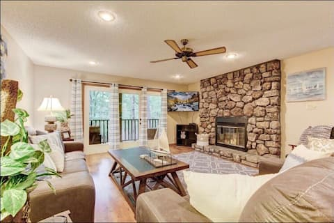 Beautiful Condo in Mountain Harbor/Lake Ouachita