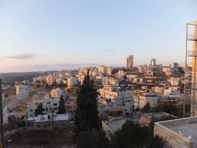 look out in Ramallah - رام الله - Apartamento