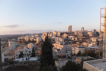 look out in Ramallah - رام الله - アパート