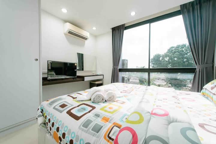 Condo centric By numfon( 12 min walk to Leegarden)