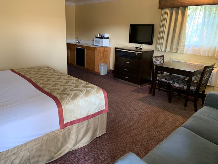 Olive Tree Inn and Suites, 2 Bedroom Suite 1K/2Q