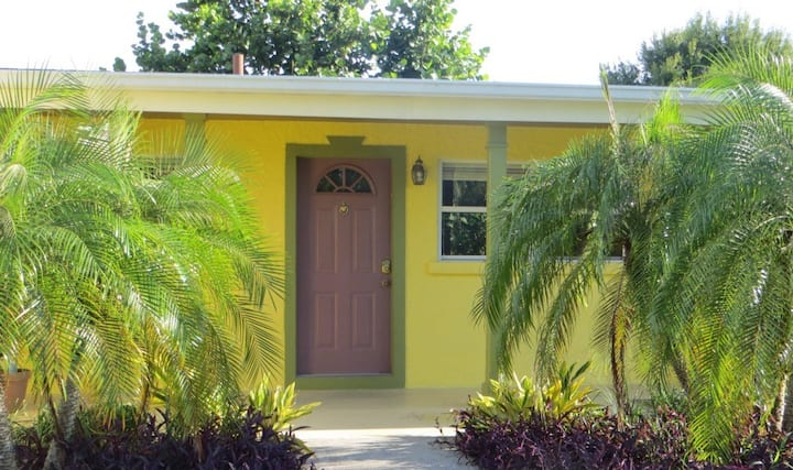 Comfortable Home Close to Siesta Beach