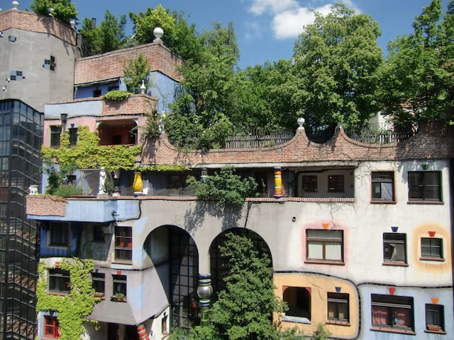 100m2 Luxusapartment in front of Hundertwasserhaus
