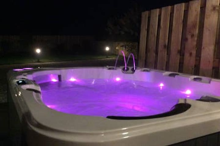 Luxury Cottage with Hot Tub self Catering