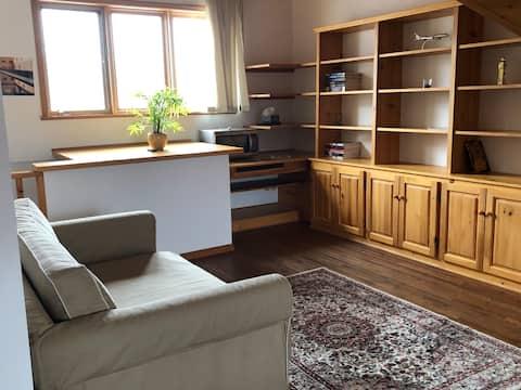 Private loft suite in a quiet neighbourhood (EV)