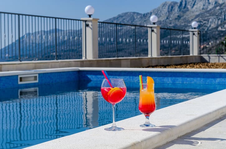 Villa Dragic